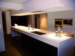 caisson hotte cuisine charmant cuisine ilot central galerie et charmant ilot central
