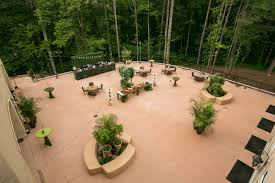 outdoor garden wedding reception venue at chateau elan winery and