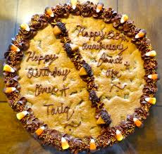 giant chewy chocolate chip cookie with pictures