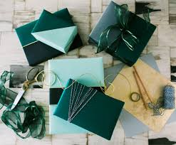 gift wrap gift wrapping diy color block presents apartment34