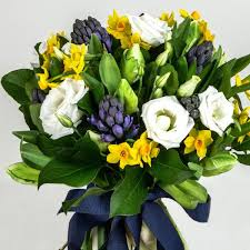 Flowers Winchester - allegra hand tied bouquet yellow and blue same day flowers
