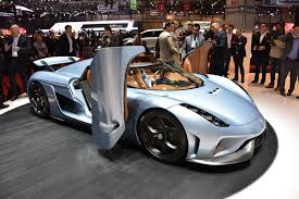 light blue koenigsegg hypercar face off bugatti chiron vs koenigsegg regera