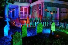 Outdoor Halloween Decor 12 Clever Ways To Light Up Your Home For Halloween