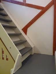 escalier peint 2 couleurs sculpture sur enduit et multi travaux