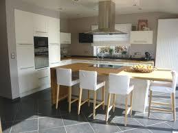 cuisine avec ilot central pour manger cuisine ouverte sur le salon avec îlot central impressionnant
