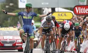 ag2r siege social orica s michael matthews outsprints sagan to win tour de