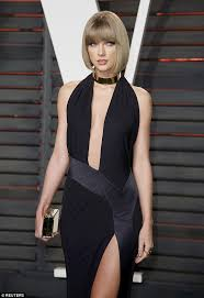 Vanity Fair Clothing Company Taylor Swift Slips Into A Black Gown To Party At Vanity Fair Oscar