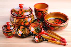 une russe en cuisine ustensiles russes de cuisine de khokhloma image stock image du
