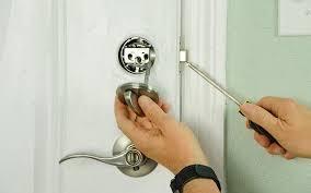 comment ouvrir une serrure de porte de chambre comment ouvrir une porte de chambre allauch tel 09 70 73 03 17