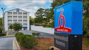 Hotels Near Six Flags Atlanta Ga Studio 6 Chamblee Ga Hotel In Chamblee Ga 55 Studio6 Com