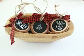 How To Make Adorable Wood Slice Christmas Ornaments How To Make A Wood Slice Gift Tag Or Ornament My Life From Home