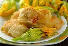fiori di zucca fritti in pastella fiori di zucca fritti ricetta per pastella senza uova croccantissima