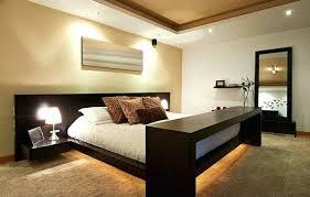 couleur chambre feng shui chambre feng shui en couleur taupe et avec lit en bois spots