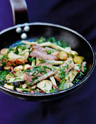 cuisiner l anguille matelote d anguille fumée artichauts oignons grelots et