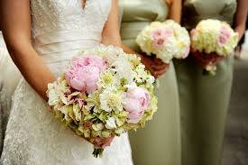 wedding flower wedding flower tips from the experts arabia weddings