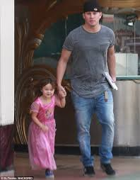 channing tatum insists he never channing tatum takes daughter everly to the bookstore daily mail