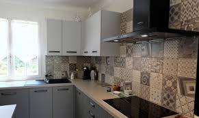 carreaux ciment cuisine carreaux de ciment cuisine beau images cuisine equipee credence