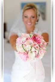 the advantages of artificial wedding flowers explained