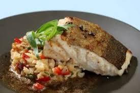 cuisiner le dos de cabillaud à la poele recette de dos de cabillaud râpé de chou fleur aux pignons et à l