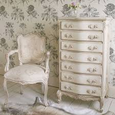 Distressed White Bedroom Furniture by Best 25 French Bedroom Furniture Ideas On Pinterest French