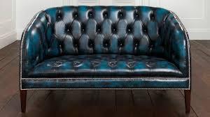 canap chesterfield cuir 2 places canapé de style chesterfield en cuir 2 places bleu burghley