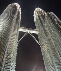 see the stunning architecture of the petronas twin towers