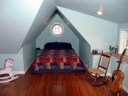 chambre dans combles combles amenages en chambre meilleur idées de conception de maison