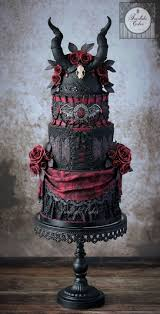 Halloween Wedding Cake Ideas by 99 Best Gothic Wedding Cakes Images On Pinterest Gothic Wedding