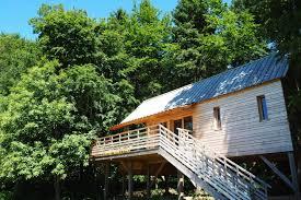 chambre d hote insolite normandie cabanes dans les arbres hébergements insolites en basse