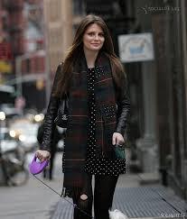 halloween in new york city mischa barton shops for her dogs just before halloween in new york