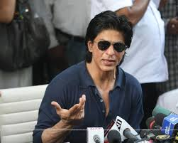 shah rukh khan celebrates his th birthday with media bei his
