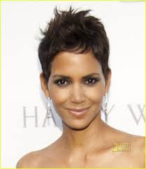 harry berry hairstyle halle berry harry winston winning in black photo 2496133 halle
