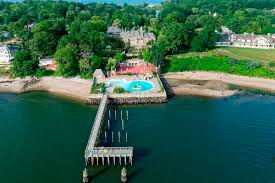 great gatsby long island russian castle on long island with 35 bathrooms asks a whopping