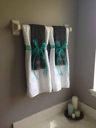 towel designs for the bathroom 1000 ideas about bathroom towel display on turquoise