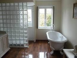 brique de verre cuisine salle de bains craquez pour les briques verre travaux com pave bain