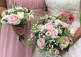 Bridesmaids Bouquets Bridesmaids Flowers And Wands Fine Flowers By Lynne Palfreyman