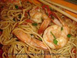cuisiner des pates chinoises nouilles chinoises aux crevettes miel et gingembre la cuisine de