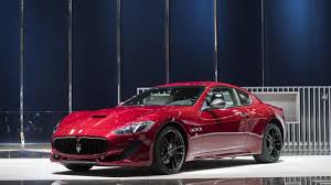 maserati granturismo 2016 red maserati honors its past with carbon fiber for granturismo grancabrio