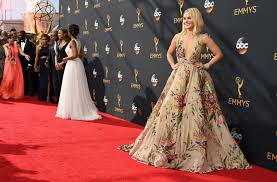 Kristin Bell Houzz Kristen Bell Arrives At 2016 Emmys Looking Fabulous Celebrity