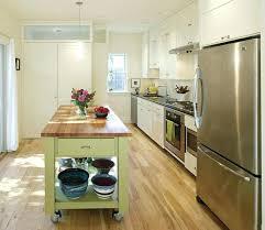 cuisine pratique meuble de rangement cuisine a roulettes meuble separation cuisine
