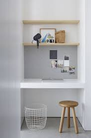 Built In Wall Shelves by Best 25 Study Nook Ideas On Pinterest Study Rooms Desk Nook