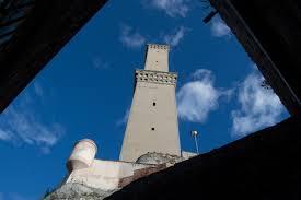 il cortile genova file torre della lanterna di genova vista dal cortile museo