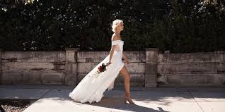 design your own wedding dress this website lets you design your own wedding dress and try it on