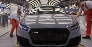2017 audi tt rs production videos go behind the scenes detail 2 5