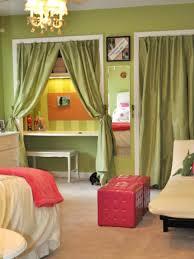 bedroom mint green paint color emerald green bedroom dark green