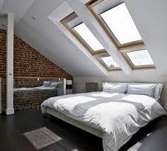 decoration chambre comble avec mur incliné chambre sous comble une histoire d amour en plusieurs images déco