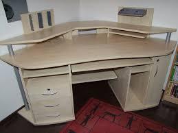 bureau d angle en bois les charmes d un bureau design mon bureau d angle