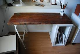Diy Wood Desk 5 Diy Reclaimed Wood Desks For Your Home Office Shelterness