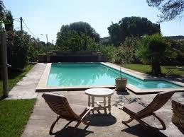 chambre d hote languedoc roussillon avec piscine gite sous les pins avec piscine partagée nages et solorgues