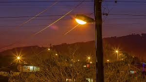 who to call when street lights are out here s why street lights suddenly turn off when you drive past
